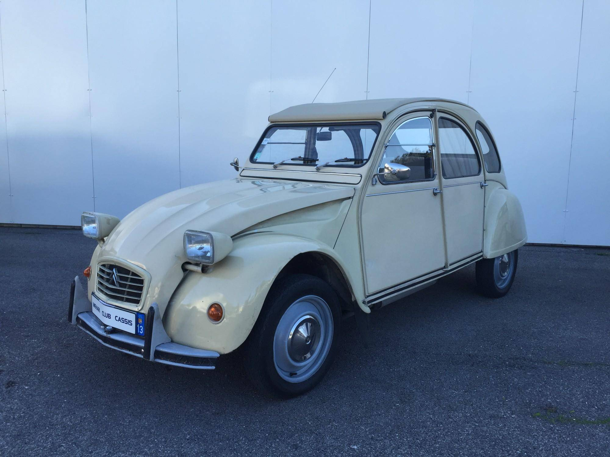 2cv 6 club beige 1978 mehari 2cv club cassis. Black Bedroom Furniture Sets. Home Design Ideas
